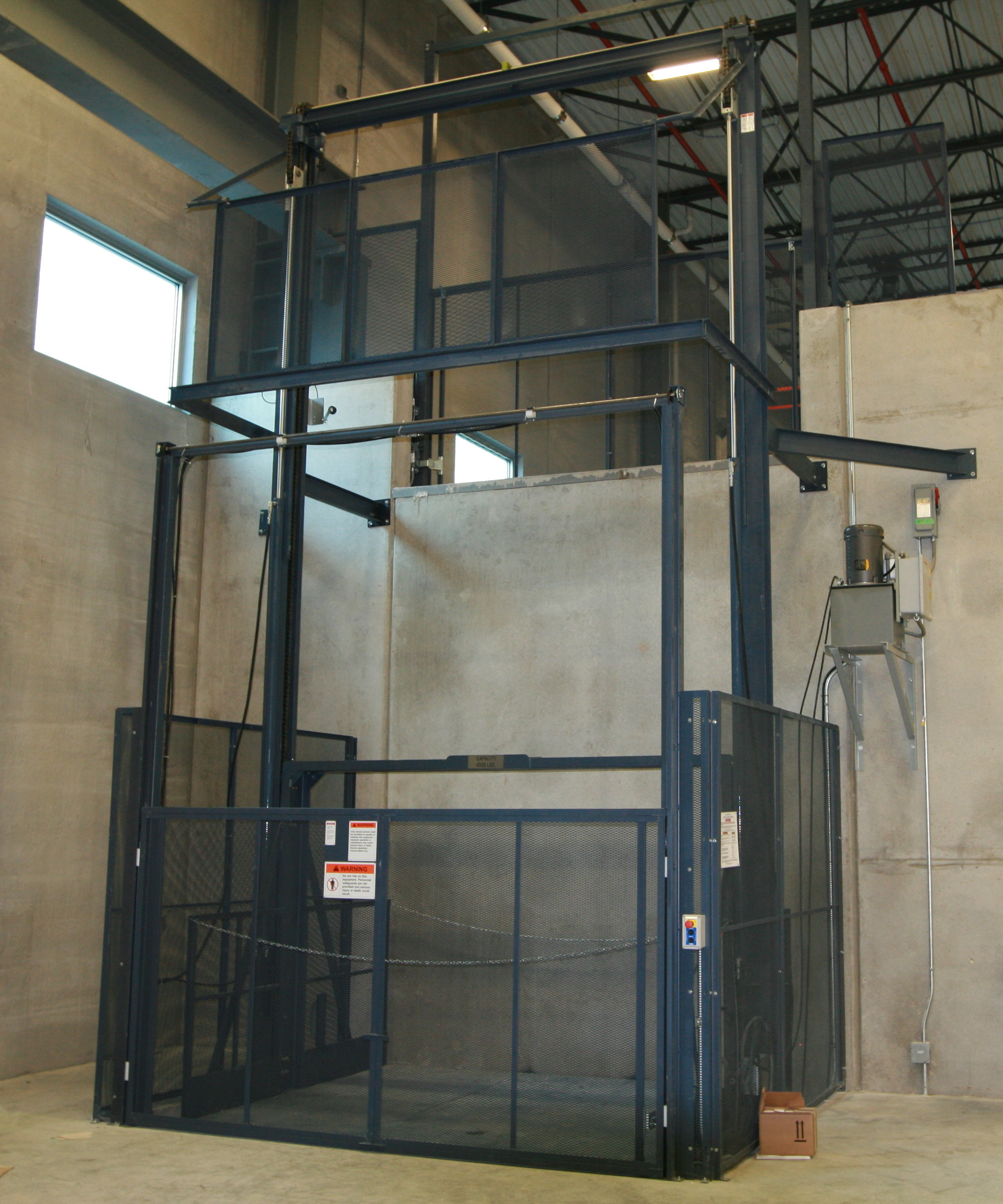 Hydraulic Vertical Lift : Hydraulic vertical lifts w e carlson corporation