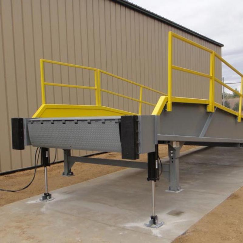 Mobile Loading Dock W E Carlson Corporation