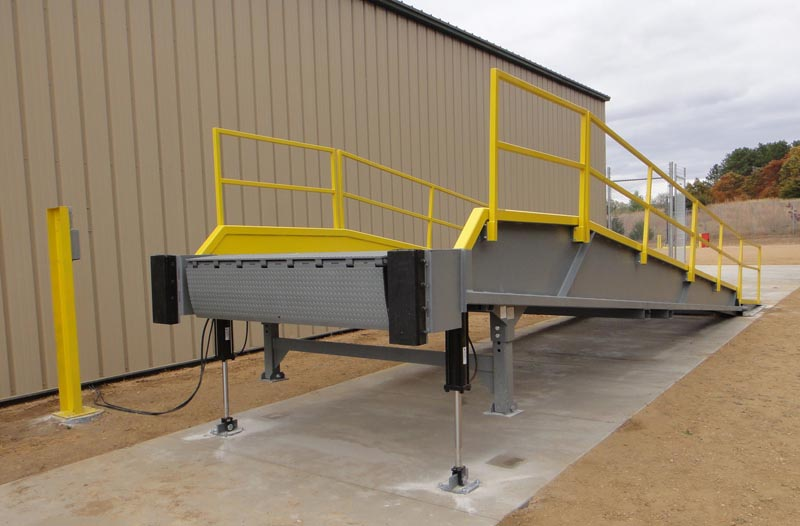 Mobile Loading Dock W E Carlson Corporation