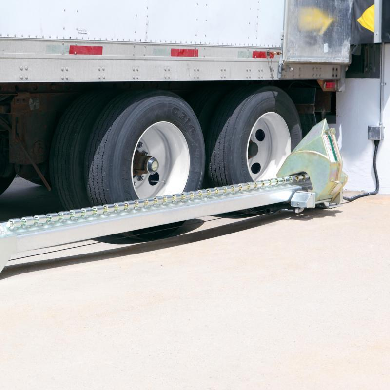 Trailer wheels secured by Manual Wheel-Lok